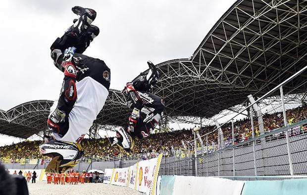 Johann Zarco Champion du Monde MotoGP 2016 Backflip