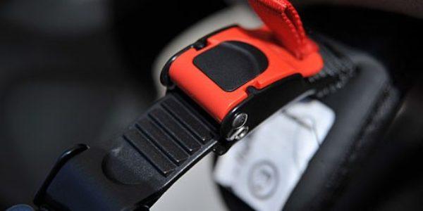 La boucle micrométrique : Système de fermeture simple et rapide.
